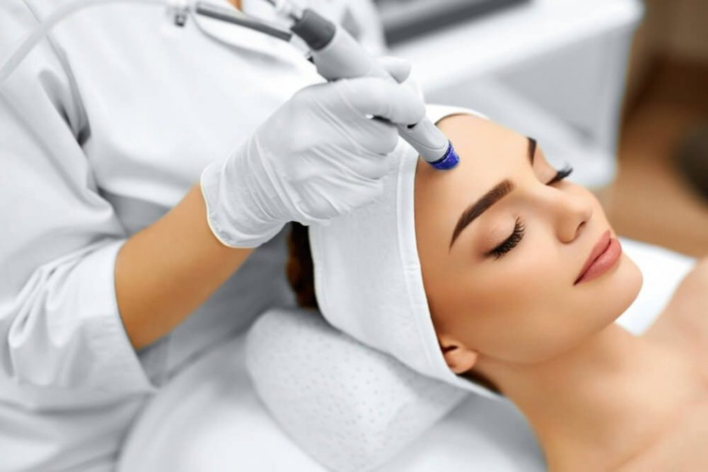 3 Reasons to Treat Yourself with a Monthly Microdermabrasion